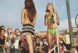 Argentinas gostosas de bikini fio dental na praia