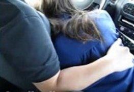 Botou namoradinha pra mamar no carro