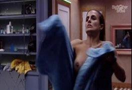 Carol Peixinho BBB19 nua mostrou os peitos delicioso trocando de toalha