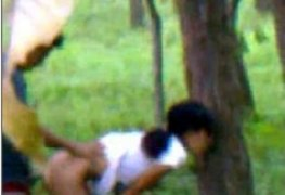 Comeu uma novinha q encontrou no parque e foi filmado