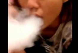 Cunhada novinha fuma maconha na piroca do cunhado