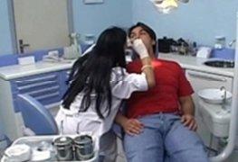 Dentista Safada Dando a Boceta e o Cu Pra Cliente