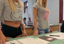 Fazendo putaria na sala de aula