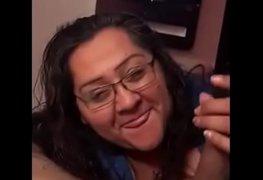Filmou a coroa amiga da mãe experiente dando um trato na pica