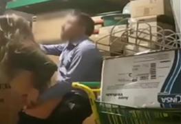 Gerente fodendo a funcionária no galpão