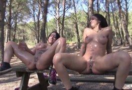 Mexicanas transando e ejaculando no parque