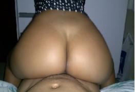 Minha esposa novinha sentando gostoso