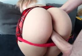 Minha esposa realizando meu fetishe por estudante