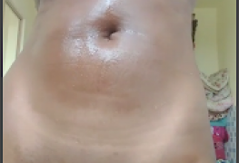 Mulata do corpo escultural