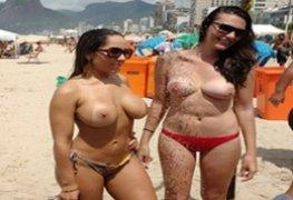 Mulher Melão pelada na praia deixando todo mundo de pau duro