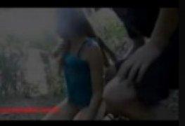 Novinha deu o cu no mato e filmaram