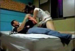 Novinha tarada na pica do namorado caiu na net