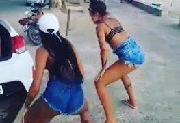 Novinhas gostosas de Salvador rebolando o rabetao