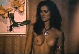 Suzana Alves famosa Tiazinha pelada na Série Mandrake