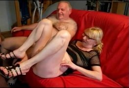Tiozinho corno dividindo a esposa