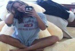 Vanessa novinha linda promotora de eventos vazou na net peladinha
