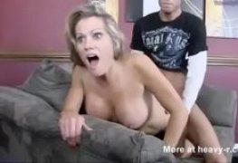 Video porno comendo coroa safada professora gostosa